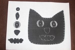 Template for black cat decoration.  The eyes are made of 3 parts - cut 2 of each.